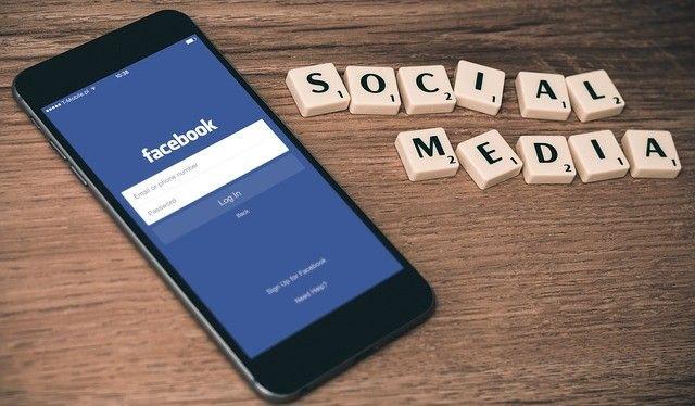 Cum sa folosesti Facebook in strategia de social media marketing?  Reteaua de socializare Facebook este una dintre cele mai mari platforme de social media, prin urmare fara sa investesti prea mult timp sau resurse financiare, te poate ajuta sa obtii rezultatele dorite in ceea ce priveste promovarea afacerii tale pe internet. Afla cativa pasi pe care ar trebui sa ii parcurgi pentru a obtine rezultate pe…