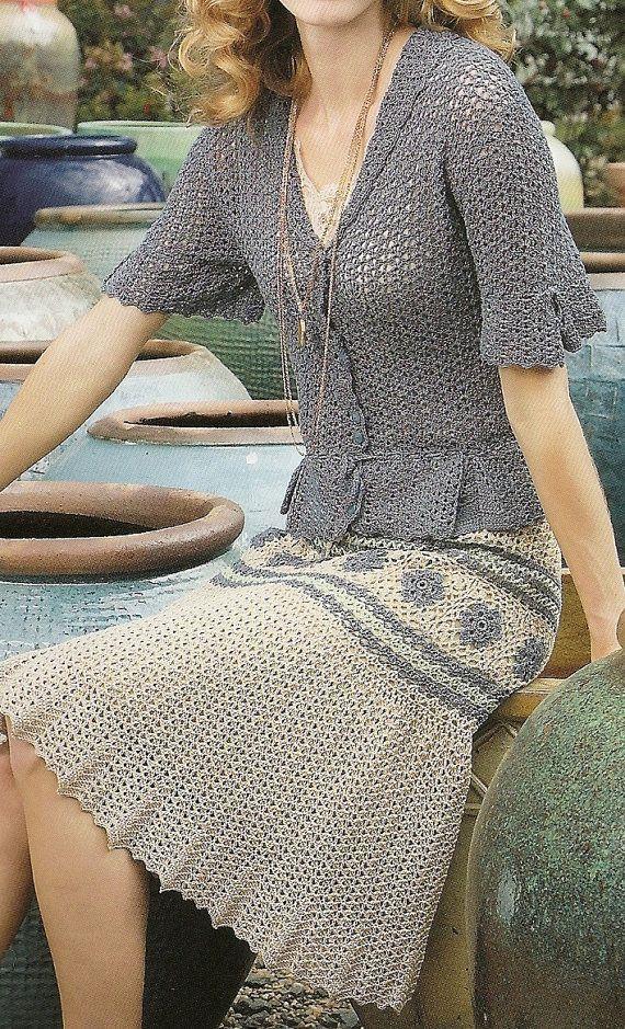 Elegante falda ganchillo con blusa de coordinación por