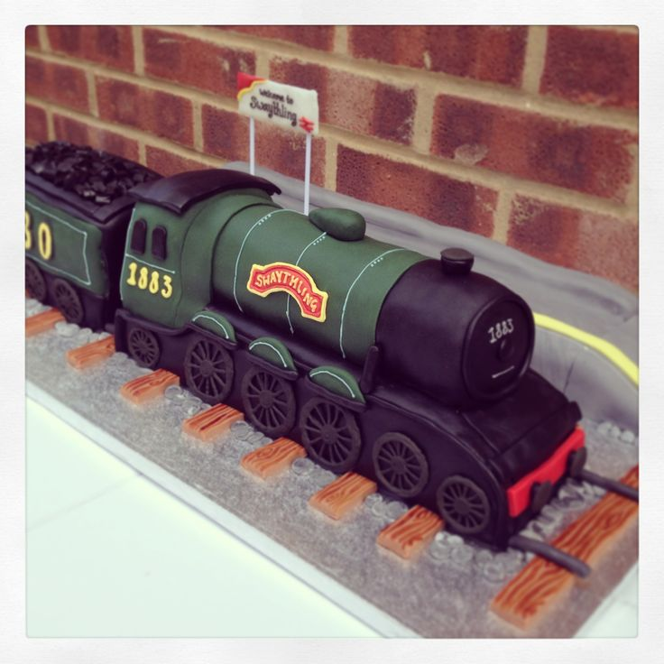 Giant Steam Train Cake Decorated Cakes Pinterest