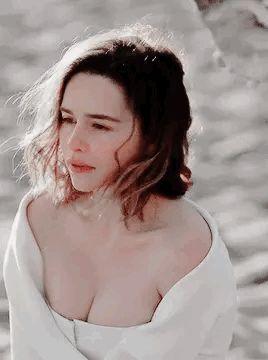 Beauty Emilia Clarke