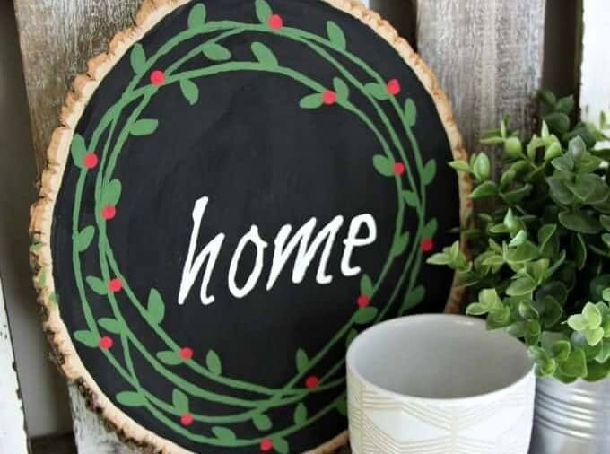 22 Homemade Housewarming Gifts Any New Homeowner Will Love #housewarminggifts