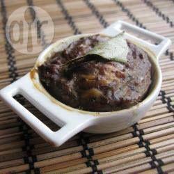 Pâté de foies de volaille, au poulet, amandes et pruneaux @ allrecipes.fr