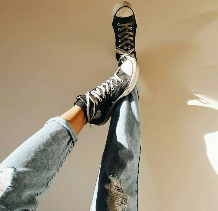 Classic black converse, ripped jeans