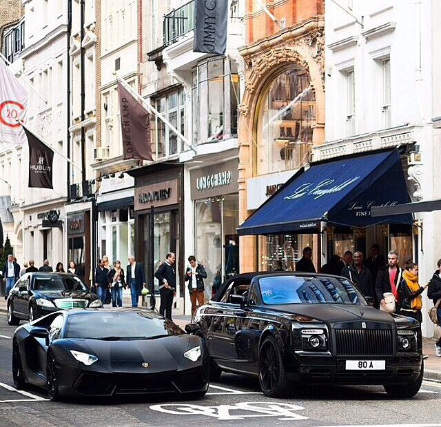 • Lamborghini vs Rolce Royce • Black •