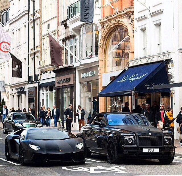 • Lamborghini vs Rolce Royce • Black •