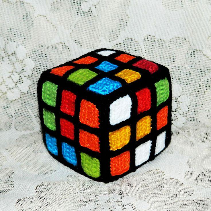 Всем разноцветный и позитивный привет!      А для поддержания красочного настроения предлагаю связать вот такой кубик Рубика.      Он может быть и сувенир...
