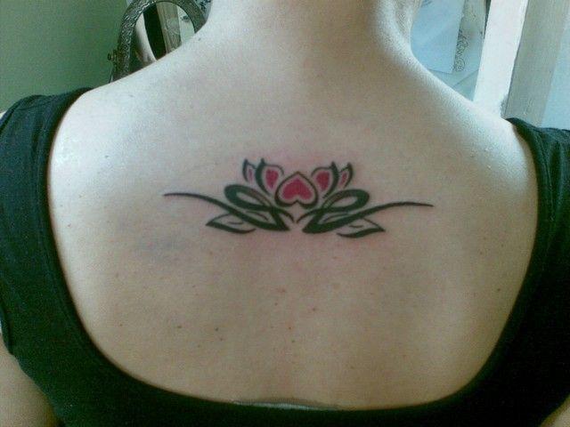 85 besten lotus flower tattoos bilder auf pinterest. Black Bedroom Furniture Sets. Home Design Ideas