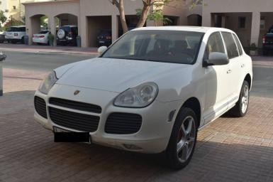 http://www.autodeal.ae/2005-porsche-cayenne-turbo-adx-5428/car-details/
