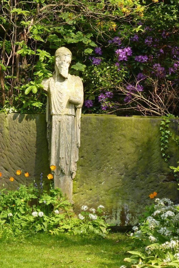 Renishaw Hall, Derbyshire, England · Garden ArchitectureGarden  StatuesEnglish ...