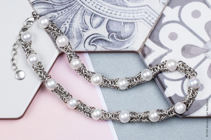 #miglio Rocker Pearl Necklace - Burnished silver plated Byzantine chain necklace with cool white shell pearls - 46 cm N1595