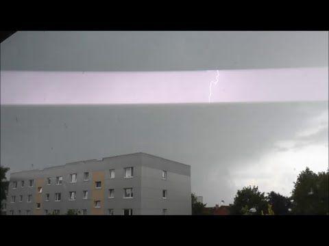 Starkes Gewitter mit einigen lauten Blitzeinschlägen am 29.07.15! – YouTube – Irene Aggeler