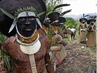 Payback in Papua: Inter-Tribal Warfare In The Papua New Guinea Highlands