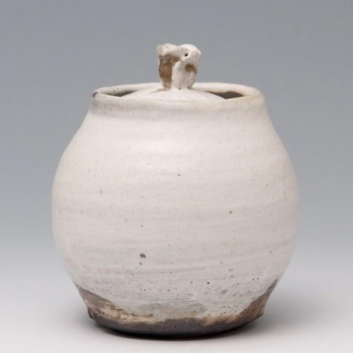 anne mette hjortshøj - a beautiful #handmade #ceramic #jar