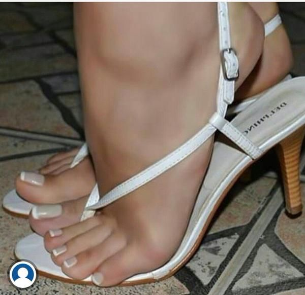 Pretty toes and pussy