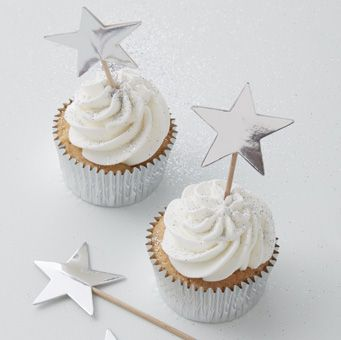 Add a splash of sparkle to your cupcakes with these gorgeous Silver Star Cupcake Toppers. The perfect way to make your cupcakes more glamorous at parties and festive gatherings!
