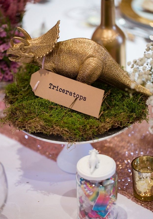 Are you looking for some unusual wedding tale centrepiece ideas? We've   rounded up some of our favourite quirky ideas for a truly unique big day.   *Want more decoration ideas? Here are 10 IKEA wedding décor hacks and clever   DIY ideas from real brides.*