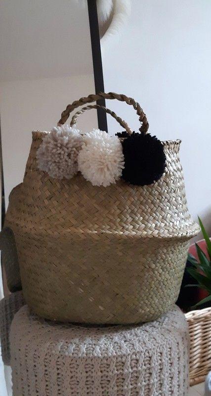 8ccbb43ddb Panier boule thaïlandais Pompons crème noir et beige Dimensions 32x28cm  Neuf, modèle unique.