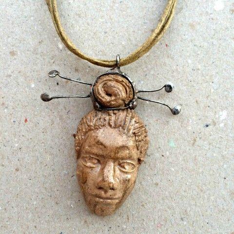 Náhrdelník cín a keramika Mandarin šperk náhrdelník přívěsek originální keramika hnědá patina autorský výrazné cínování netradiční čína keramický šperk mandarin číňan