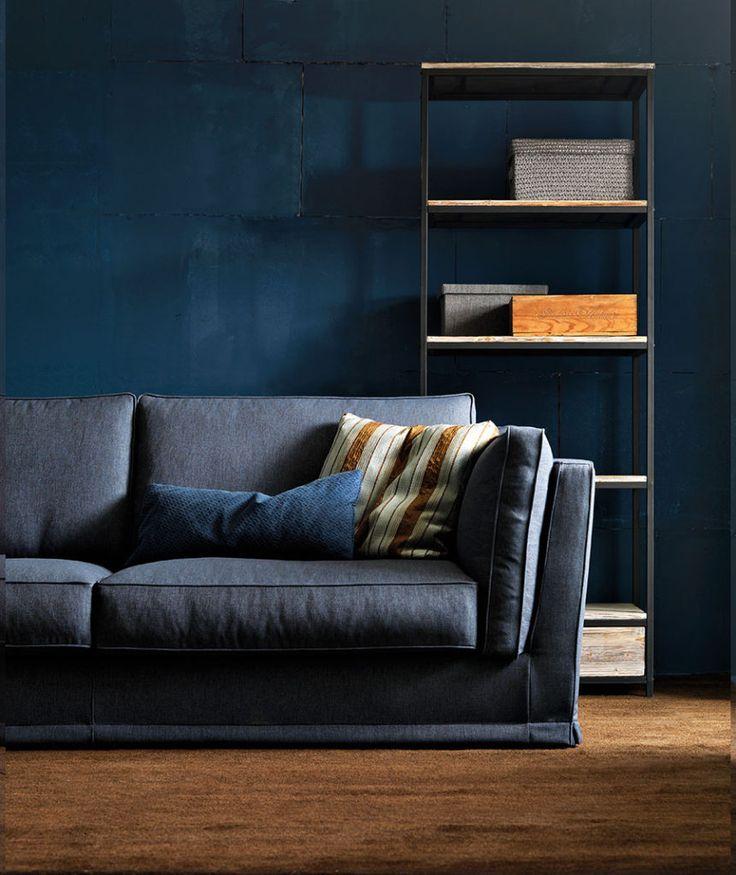 Oltre 25 fantastiche idee su divani blu su pinterest - Divano velluto blu ...