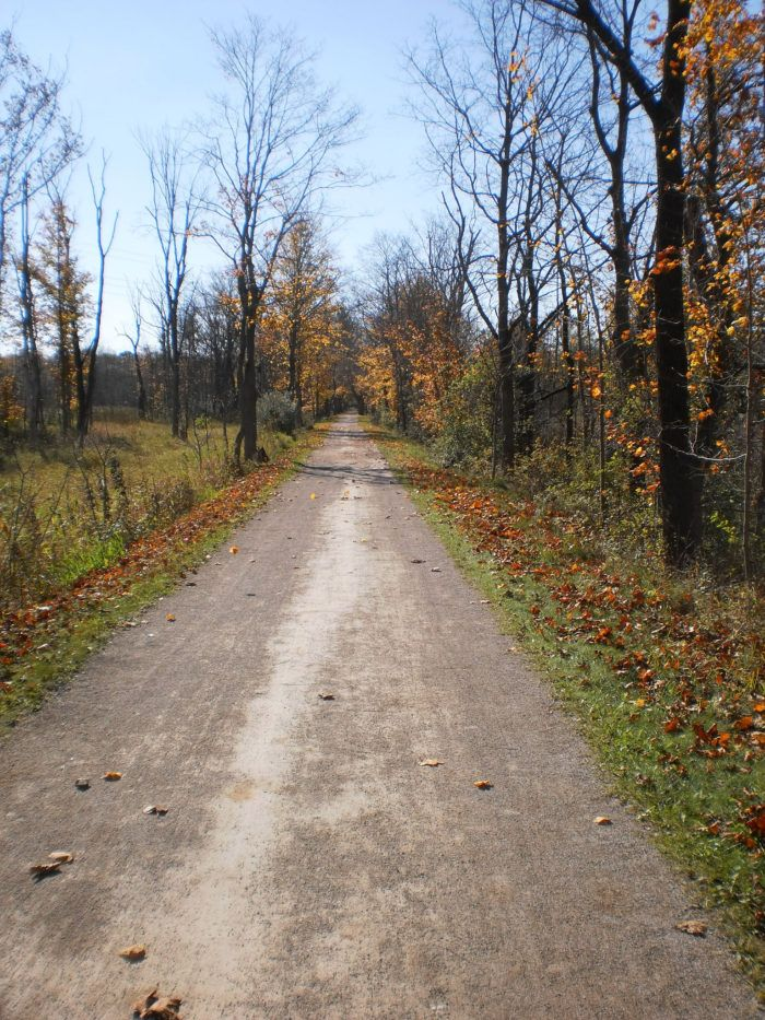 In the summertime, the little town comes alive with hikers, bikers and explorers passing though along the Towpath Trail.