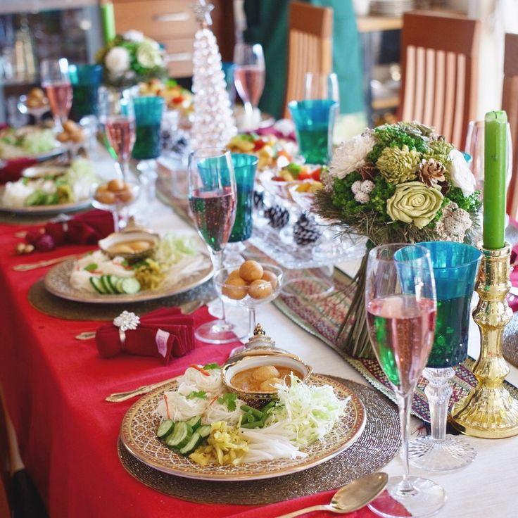 タイ料理教室SIRI KITCHEN : 12月の中級本格タイ料理教室は先週末で無事に終わりました✨今月も美味しくて楽しいレッスンができて、生徒の皆さんに感謝しています❤️コープクンカー✨ . . . . . #タイ料理教室 #タイ料理 #タイ料理レッスン #タイ料理大好き #アジア料理 #エスニック料理 #おもてなし料理 #クリスマス料理 #ランチ #夕飯 #夜ごはん #おうちごはん #お稽古 #カレーそうめん #パーティー料理 #フードコーディネート #フードスタイリスト #テーブルコーディネート #sirikitchen #thaicooking #thaifood #cookingschool #christmasfood #christmastable #fruitsalad #partyfood #foodoftheday #tablesetting #อาหารไทย #อร่อย