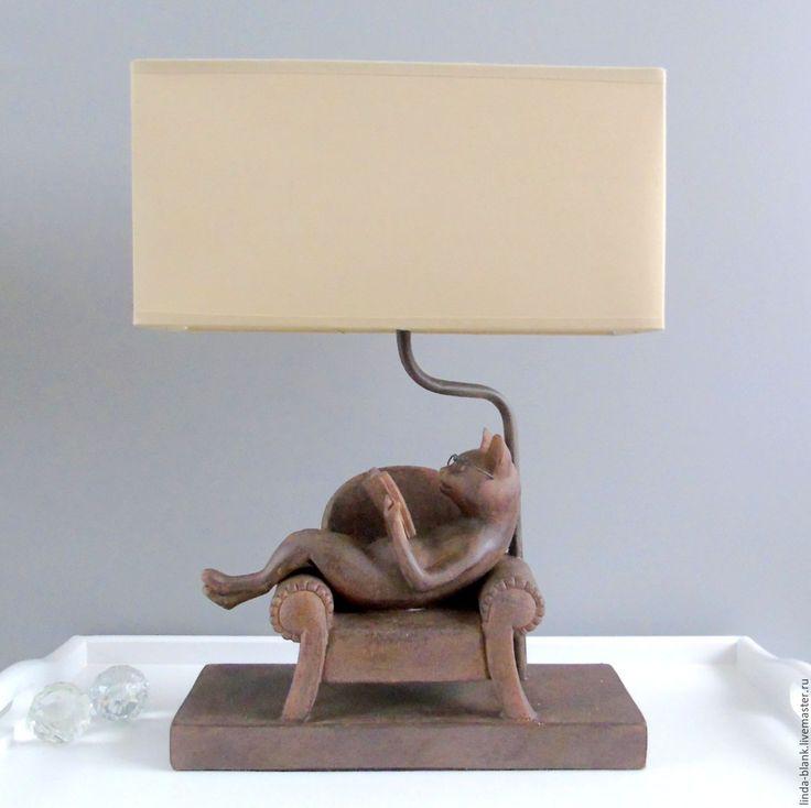 Купить или заказать Лампа настольная   с абажуром  кот ученый винтаж. в интернет-магазине на Ярмарке Мастеров. Лампа настольная для дальнейшего декорирования в технике декупаж или роспись, для фото сессии с вашими работами. Прикроватная настольная лампа со стандартным цоколем Е27, максимум 60 ватт . Светильник настольный в стиле арт-деко- милая винтажная вещица для спальни или гостиной. Лампа настольная. ЛАМПА НАСТОЛЬНАЯ Прикроватная настольная лампа со стандартным цоколем, максимум 60 ватт.