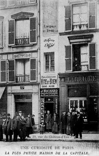 Rue du Château d'Eau - la plus petite maison de Paris