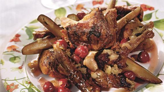 Жареная утка с соусом из вишни и портвейна. Пошаговый рецепт с фото на Gastronom.ru