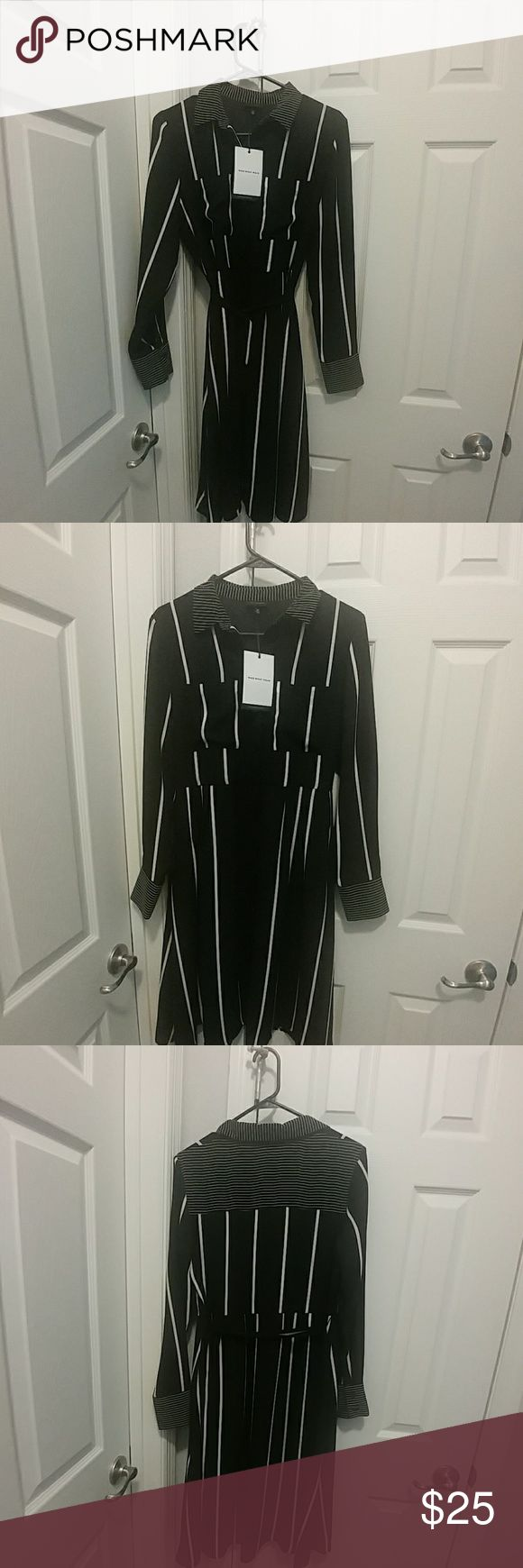 Neautifull Black and White Strap Dress Brand new with Tag great for work or Special occasion Dresses Long Sleeve