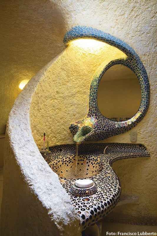 #Baños #Bathrooms #Casas #Proyecto Arq. Javier Senosiain - La estrategia del caracol - Casas - Revista Espacio&Confort - Arquitectura y Decoración