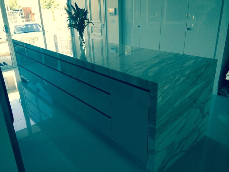 We provide unique profiles for yourgranite benchtops melbourne that are manufactured on our state of the art CNC machines. We can also design your own custom edge using our advanced technology