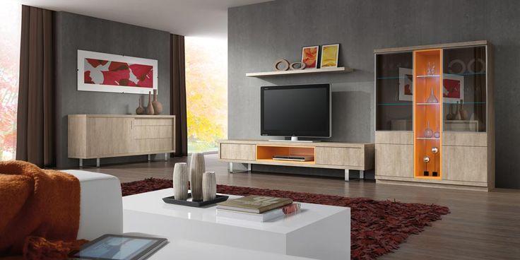 Ambiente 1905 - Ambiente de salón comedor formado por una composición, con un mueble bajo para la televisión y una vitrina expositor, y un aparador bajo independiente. Por lo que se refiere a la composición.