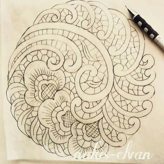 Desenho para trabalho de cinzel em estanho. Imita o trabalho antigo feito nas salvas de prata.