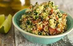 Tabule de #quinoa | quinoa cozida, tomate, pepino, pimentão, salsa, cebolinha, hortelã | #salada