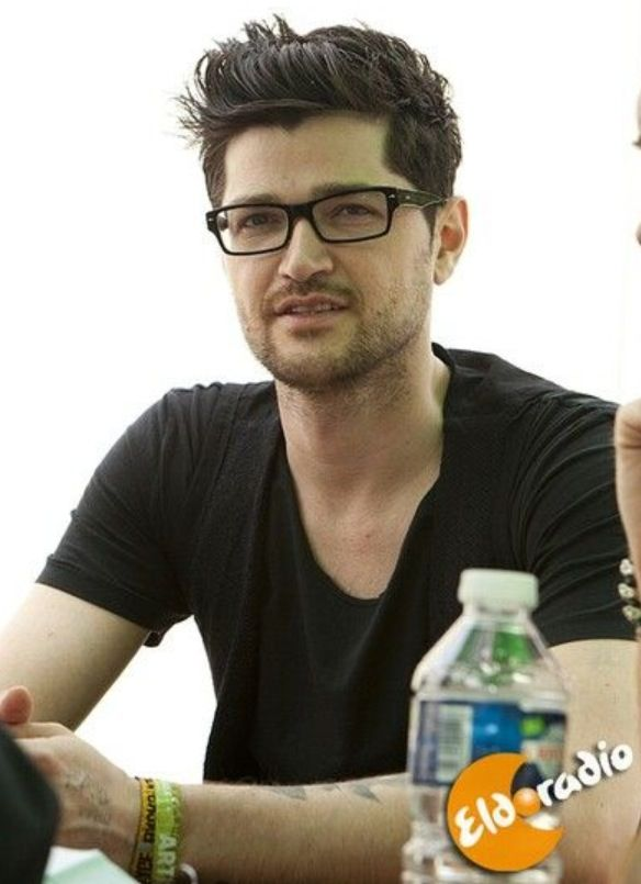 Danny O'Donoghue is a good looking man!!!