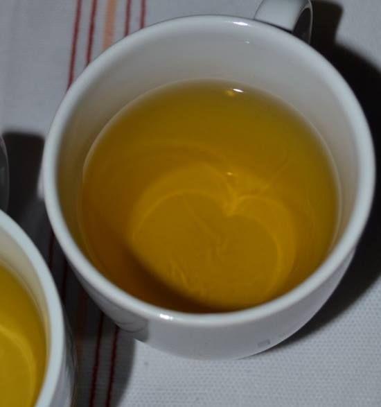În loc să apelezi la pastile de slăbit scumpe şi periculoase, prepară-ţi singură un ceai de slăbit eficient, natural şi mai ieftin. Vezi ce ingrediente