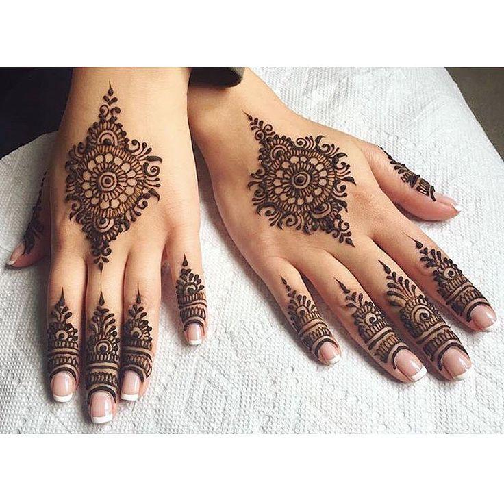 "151 likerklikk, 1 kommentarer – Tie • The • Thali (@tiethethali) på Instagram: ""Lovely design and work by @sonias_henna_art. || #Tamil #Saree #Wedding #TamilWedding…"""