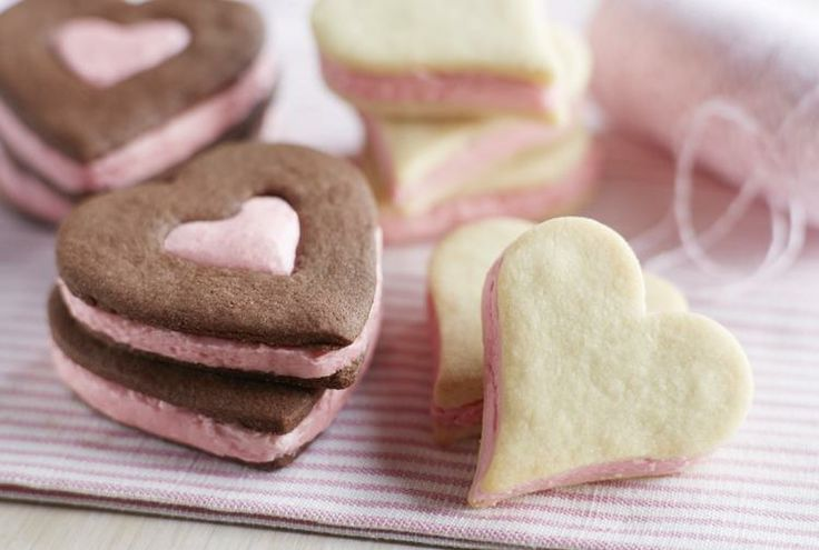 Driscoll's #Chocolate Shortbread Sandwich Cookies with Fresh # ...