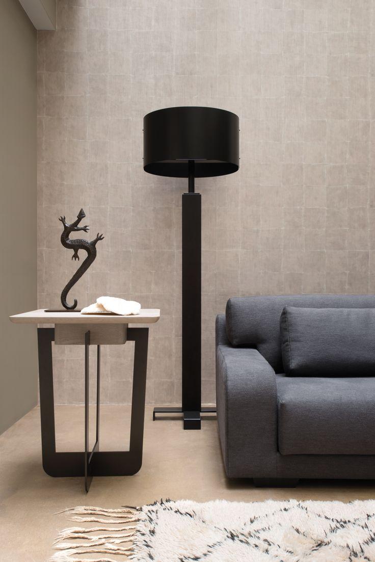 Wall paper Elitis . Furniture Xavier Dhor . Photo JF Gate