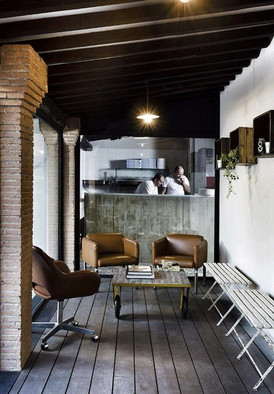 A Campagnano sulla Cassia, a due Passi da Roma, l'osteria pizzeria Kook, di Noses Architects.