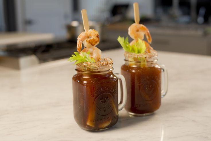Esta michelada cubana con camarones es ideal para una tarde con los amigos, prepárala y disfruta de esta deliciosa y fresca receta de bebida.