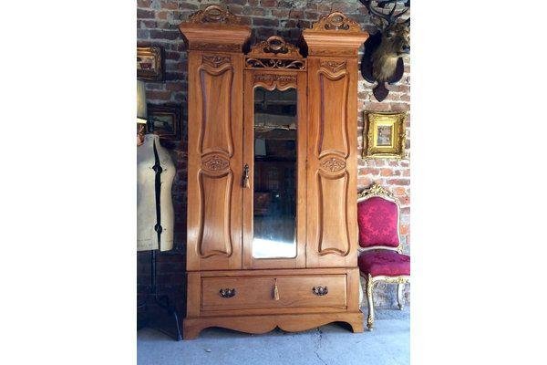 Stunning #Antique Single Wardrobe Victorian 19th Century Satin Walnut Mirror | Vinterior London  #vintage #furniture