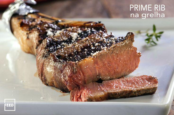 PRIME RIB NA GRELHA - O prime rib, como o próprio nome diz na livre tradução do inglês, é uma costela de primeira ou premium. Atualmente, é um dos cortes mais aclamados da alta gastronomia. Na prática, é extraída da caixa torácica superior da costela do animal, incluindo no seu miolo uma carne de alta qualidade e bem marmorizada.   Saiba como preparar esta receita no link: http://www.feed.com.br/receitas/prime-rib-na-grelha-2/