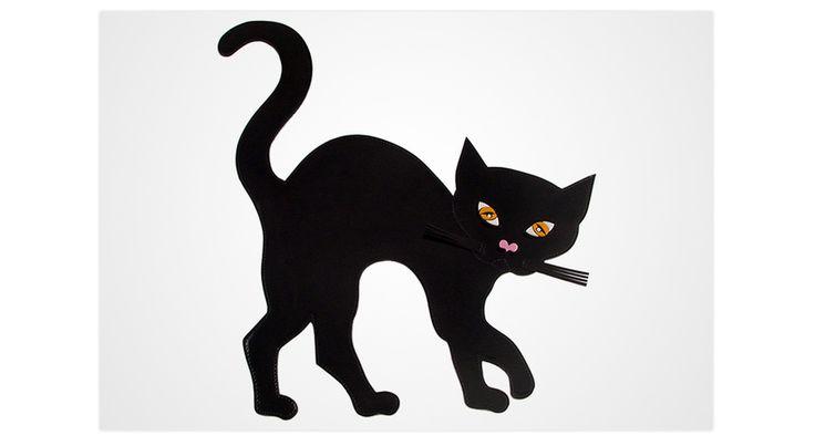 La pochette chat noir de Yazbukey pour Halloween http://www.vogue.fr/mode/le-sac-du-week-end/diaporama/la-pochette-chat-noir-de-yazbukey-pour-halloween/20996