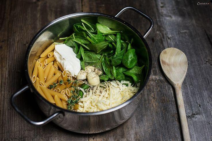 One Pot Pasta mit Spinat & Käse