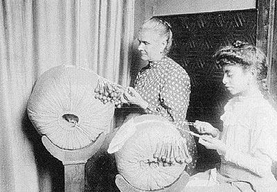 Bilros lacework 1908 - Portugal