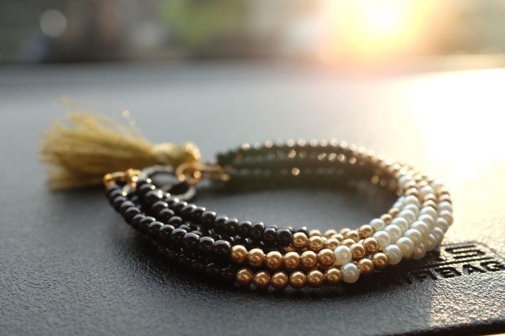 Pearl bracelet with tassel