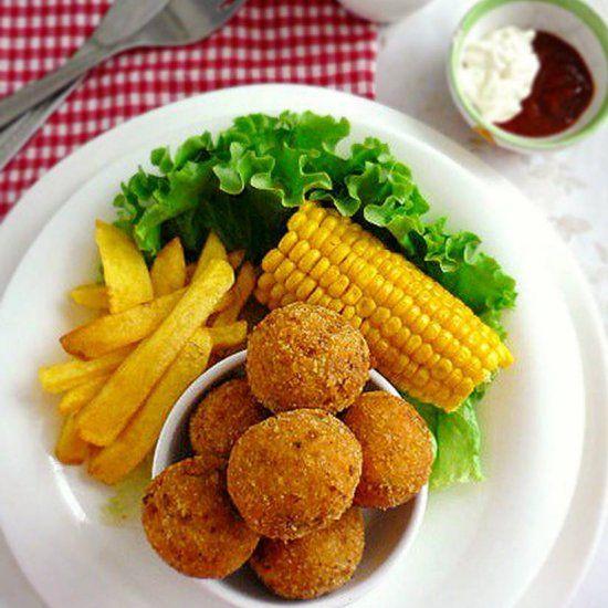 Super Yummy Cheesy chicken Balls. Serve it warm and we'll get best cheesy chicken ball ever.