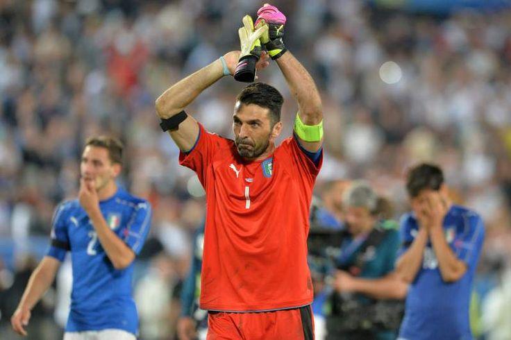 Buffon no final de uma partida dramática  // Euro2016 - Alemanha vs Itália