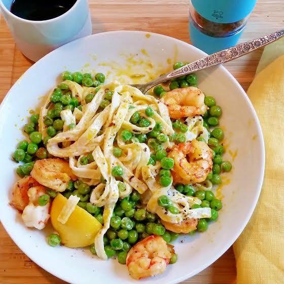 Shrimp Fettuccine Alfredo & Spring Peas (NO cream!) # ...